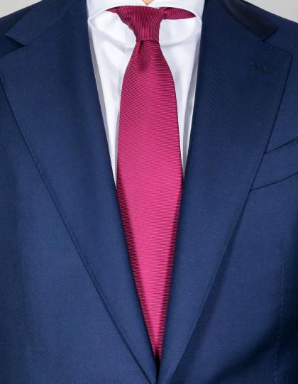 Kiton Krawatte in weinrot strukturiert