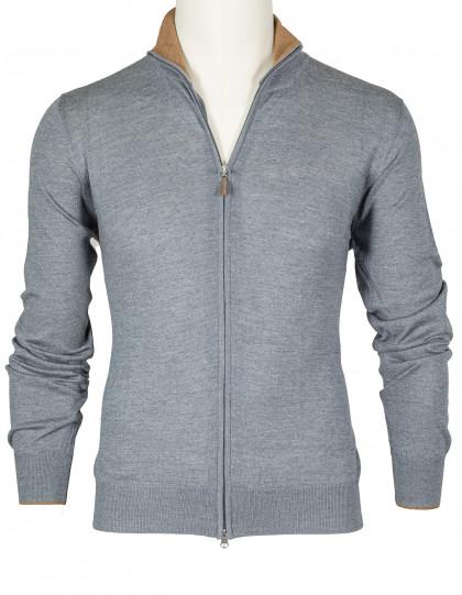 SOBS Strickjacke mit Reißverschluss in grau, Kragen innen braun abgesetzt sowie mit braunen Velourslederpatches