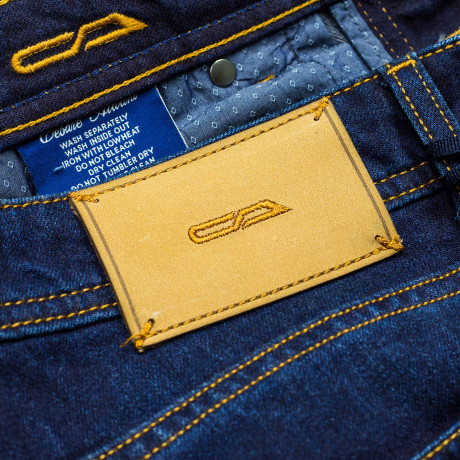 Cesare Attolini Jeans in dunkelblau leicht verwaschen aus Baumwolle/Kaschmir