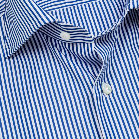 Cesare Attolini Hemd in blau gestreift mit Haikragen